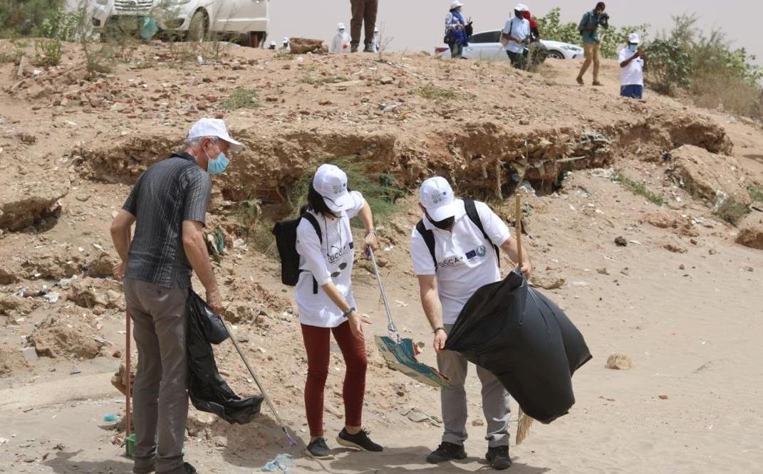 EU Ambassadors Participate In  Local Cleaning Campaign