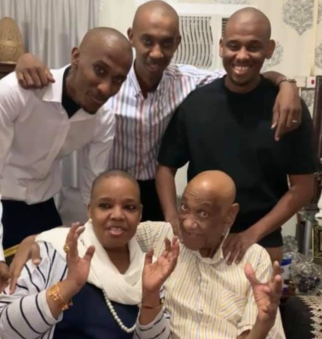 Family Shaves Off Hair In Solidarity With Journalist Hashim Karrar