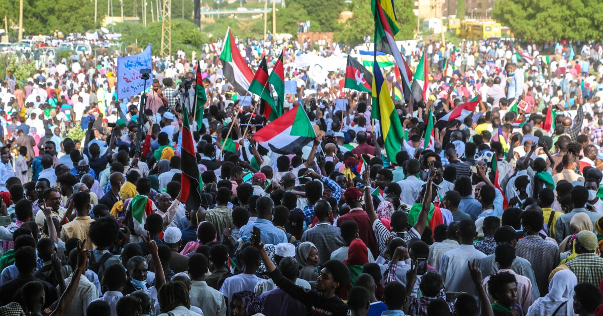 Tens Of Thousands March In Defense Of Transition To Civilian Rule